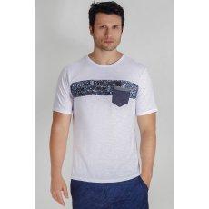 Camiseta Com Recorte e Bolsinho